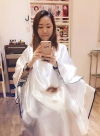 Getting a hair dye + haircut! Woohoo~